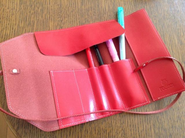 赤い手作りペンケース