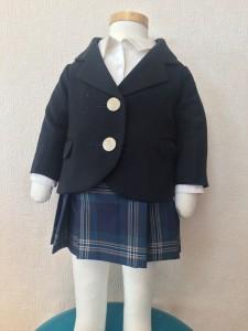 女子高校生のブレザー制服姿