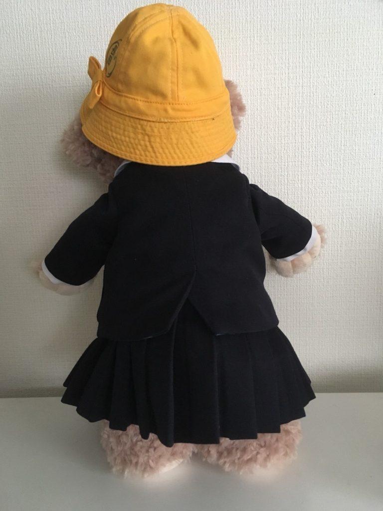 ミニチュア帽子をかぶったシェリーメイ